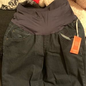BRAND NEW A GLOW MATERNITY SKINNY JEANS WITH TAGS